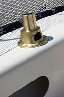 Harken 32.2. bronze base is installed.